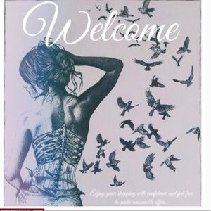 Welcome. Thanks for visiting my closet 💋